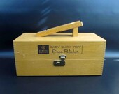 Vintage GE Electric Shoe Polisher with Finger Jointed Shine Box