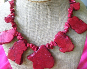 Red Turquoise Freeform Slab Nugget Red Turquoise Chip Beaded Necklace