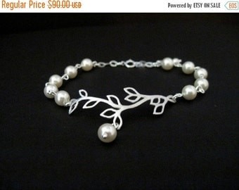 Bridesmaid Jewelry Set of 5 Silver Vine and Pearl Bridal Bracelets