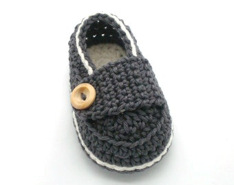 Baby boy loafers, newborn baby gift, gray Crochet baby shoes handmade in France