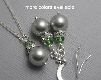 Light Green Wedding Jewelry Set, Light Grey Pearl Necklace, Peridot Necklace, Green Bridesmaid Jewelry Set, Personalized Bridesmaid Gift