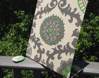 """Magnet Memo Board, Desktop Message Board,, Emerald Green Decor, Fabric Magnet Board, Designer Organizer,  (11"""" x 12"""")"""
