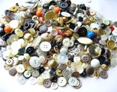 Vintage Button Lot Destash Metal Lucite Plastic Shell Bakelite 300 plus buttons