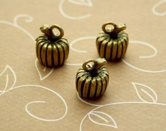 free UK postage - Pack of 10 – Antique Gold Charm Pumpkin