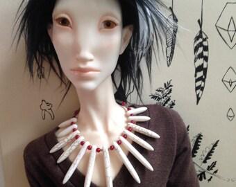 Spine necklace for 70cm dolls