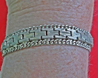 """Vintage silver tone 7.25"""" bracelet with modernist design in great condition"""