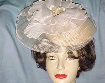 Vintage RETRO Hat SONNI San Francisco Flirty TILT Swirls Gold Net & Pearls Wear/Prom/Wedding/Church