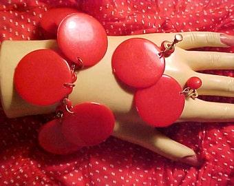 Vintage 50s Plastic Bracelet Set LIPSTICK RED Dangles ROCKABILLY Rock& Roll