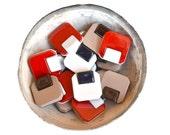 n.18 boutons carrés en plastique Vintage, 1960