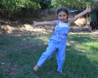 JUMPING JACK - Vintage Girls Overalls NOS Slouchy Adorable Classic 1980s 80s Rose Cage Inc San Francisco Floral Cotton Denim Rose Buttons 4T