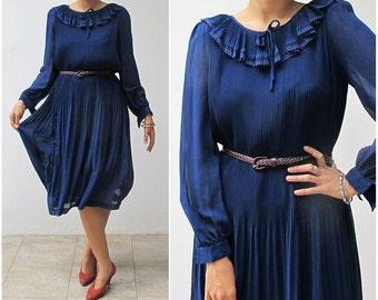 1970s Asian pleated dress