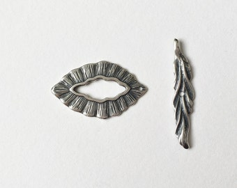 Woodland Antique Silver Leaf and Toggle Clasp Set, 1 inch Leaf and Toggle Set