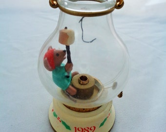 Vintage 1989 Hallmark Christmas Chris Mouse Cookout Lighted Tree Ornament Collector's Series 1980s