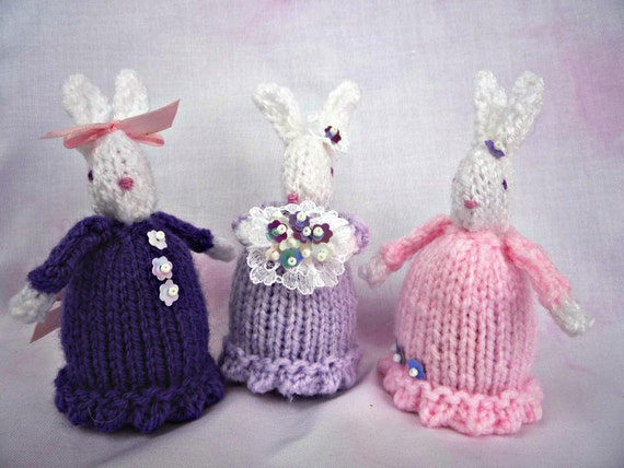 Easter Bunny Knitting Pattern : Items similar to KNITTING PATTERN Easter Bunny Creme egg cover on Etsy