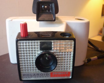 Vintage- Polaroid Swinger Model 20 - 1960s - Mint condition - Collectible - Polaroid Land - gift for camera collectors + polaroid film buffs