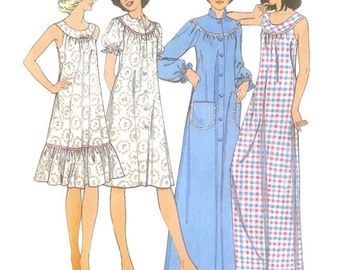 1970s Nightgown and Robe Pattern Simplicity 1721 B31 - B33