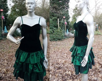 Beautiful 80s Prom Dress in Emerald Green by Roberta/ 80s Dress with Tiered Skirt/ Vintage Dress with Velvet Bodice Size 4