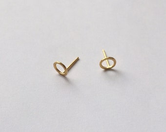 Tiny circle earrings