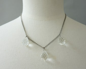 Art Deco briolette crystal drop necklace | 1930's by cubevintage