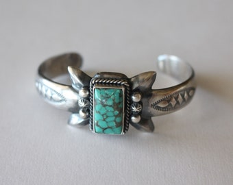 Navajo Silver Bracelet Spiderweb Turquoise PETITE