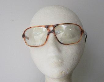 Retro 1970s Hipster Tortoise Shell Eyeglasses or glaaes Frames
