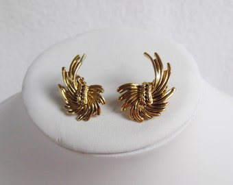 Summer Sale 30% Off - Gold Feather Clip On Earrings, Vintage, Costume Jewellery, Evening Wear,  40s, 50s, 60s, 70s, 80s,