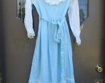 vintage  blue white dot lace trim  1970s little girls sz 8  long maxi prairie dress w  belt