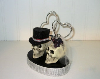 Skull Bride and Groom Cake Topper