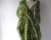 Nuno Felted  scarf,  Green  felted scarf,  warm winter scarf, warm fur scarf, women felt shawl by Galafilc