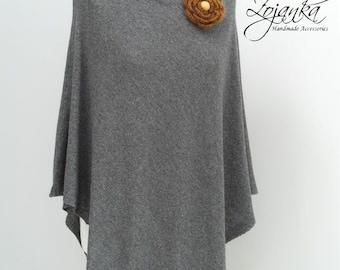 women PONCHO wrap ,poncho cape, AUTUMN fashion, gift ideas, autumn fashion accessories, Light grey ponch with a brooch