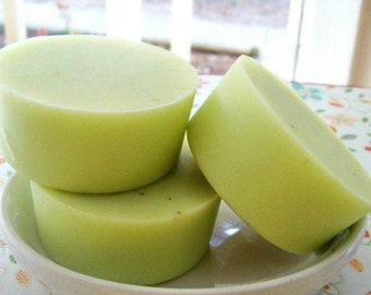 Pear and cashmere soap-anjou pear, green glycerine soap-hostess gift, natural soap, homemade soap-gift for her-hostess gift