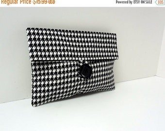 ON SALE Houndstooth Clutch Makeup Bag Black and White Bridesmaid Clutch