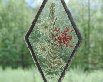 Pressed flower ornament suncatcher, stained glass ooak suncatcher, Queen Annes Lace flower art, unique gift under 30