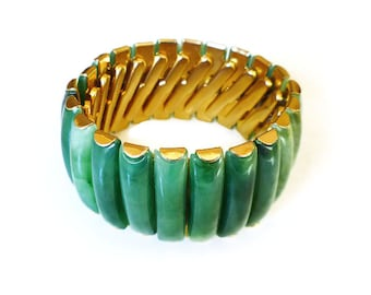 Hong Kong Bracelet, Lucite Early Plastic, Green Faux Jade, Expansion Stretch, Vintage Jewelry