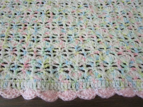 Easy Crochet Baby Blanket Shell Pattern : Easy Crochet Blanket Pattern Blooming Shell Stitch Crochet