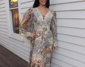 70s Hippie Dress Gunne Sax Maxi Print Angel Sleeve Lace 1970s Vintage XS