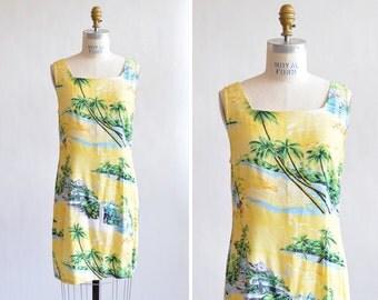 Vintage 1990s HAWAII print rayon shift dress
