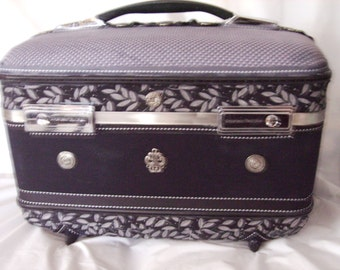 Upcycled Vintage Train Case, Fabric Covered