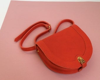 Red leather waistbag, fannypack, hipbag, bumbag