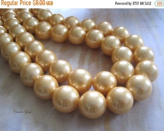 "30% OFF SALE 16"" long (25 pcs) Yellow Glass Pearl Round 16mm Beads"