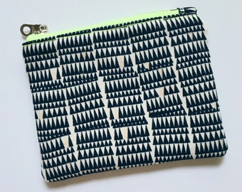 Small Womens Wallet, Black and White Coin Purse, Small Zipper Pouch, Minimalist Wallet, Modern Change Purse, Small Gift under 20