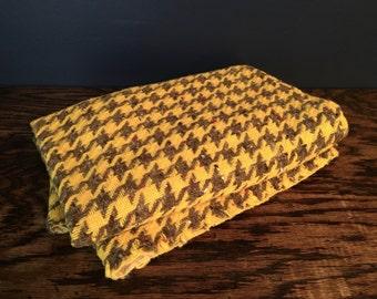 Vintage Houndstooth Fabric Destash