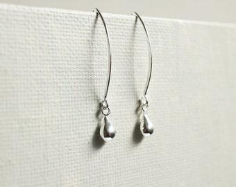Sterling Silver Teardrop Earrings. sterling silver puffed drop dangle earrings. tiny drop earrings. small teardrop earrings. simple drop