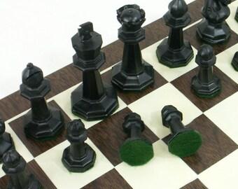 Druekes Chess Set Large Chessmen Chess Board Programmed Intro to the Game  M W Sullivan