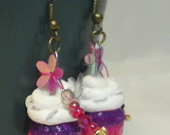 Très jolie boucle d'oreille cupcake, pour les gourmandes