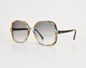 Vintage 70s 80s Oversized Rainbow Tortoise Confetti Sunglasses Gradient Lenses
