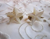 Vintage Gold Tone Clip On Etched Glass Starfish Earrings
