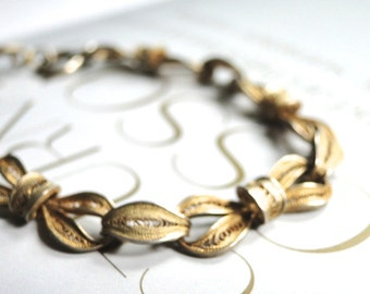 SALE Vintage Brass Ribbon Chain Bracelet / Accessories / Vintage Bangle / Bracelet / Filigree Brass Bracelet / Gift for Her