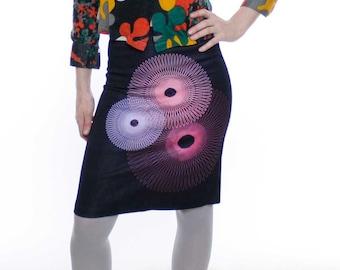 Vintage 90's stretch denim skirt, dark wash, spirograph designs, Dollhouse brand, back slit, high waist - Small