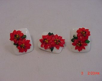 Vintage Christmas Poinsettia Brooch And Screw On Earring Set   16 - 387